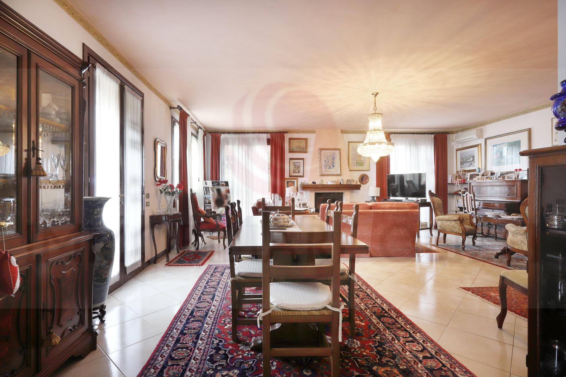 PADOVA – DUE CARRARE, villa singola divisibile in due unità