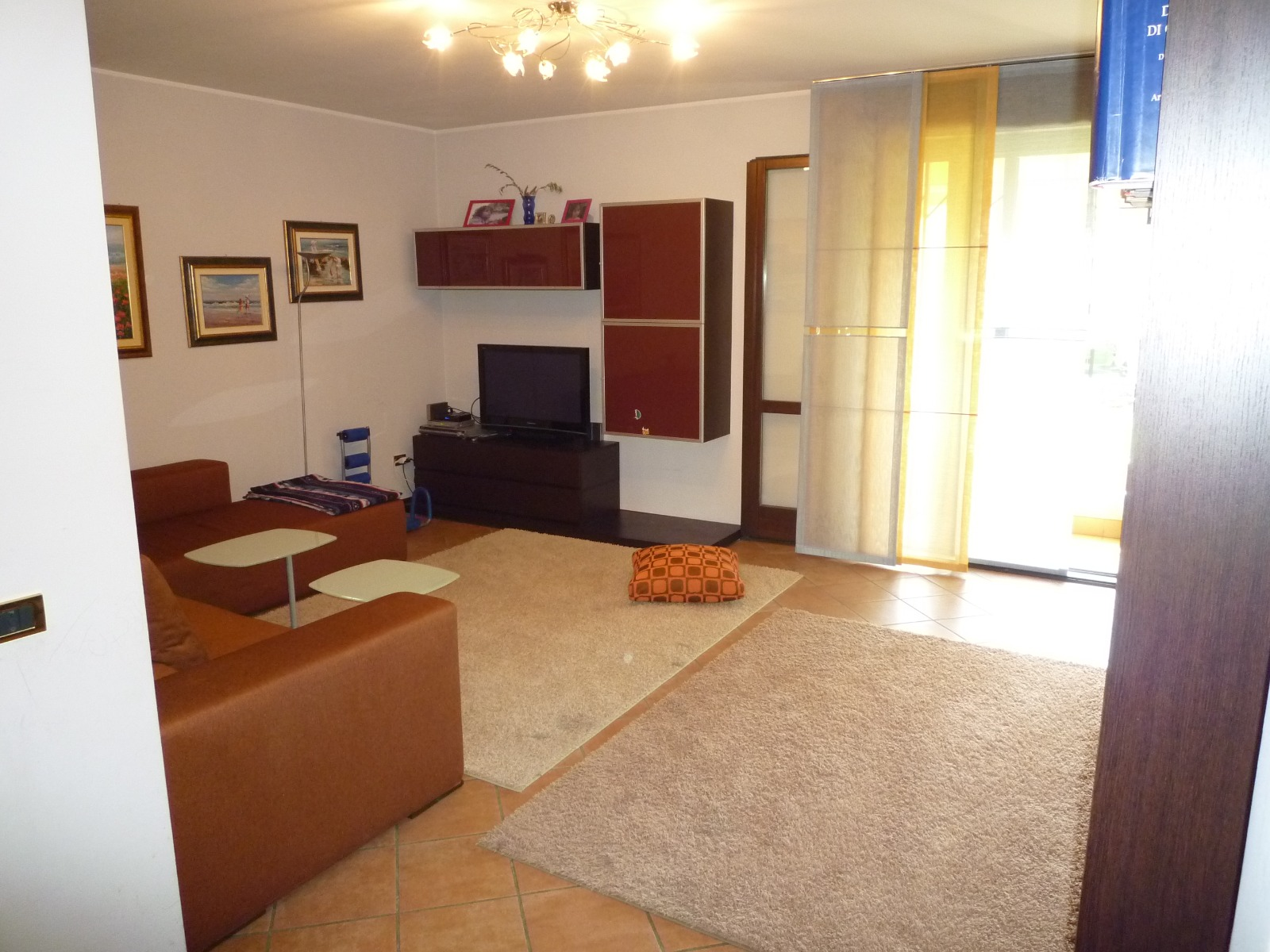 CASALSERUGO, appartamento con tre camere su unico livello