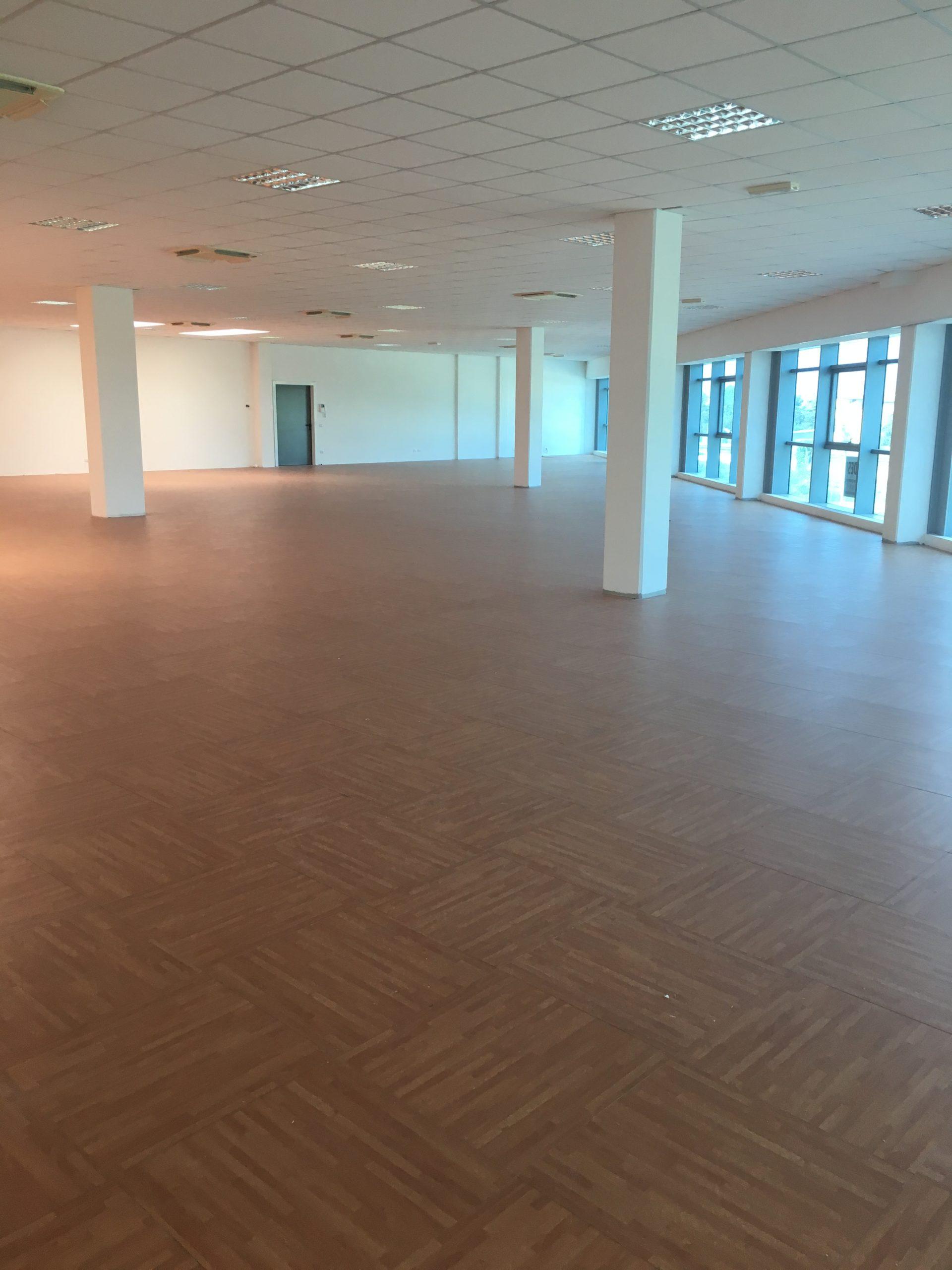 ALBIGNASEGO – MANDRIOLA, proponiamo in vendita uffico di 455MQ.